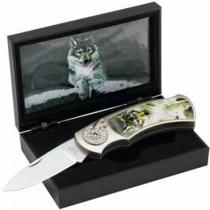 Maxam Lockback Knife with Decorative Wolf Inlay in Display Box: gifts for wolf lovers